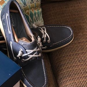 Sperry size 10M; New, in original packing.